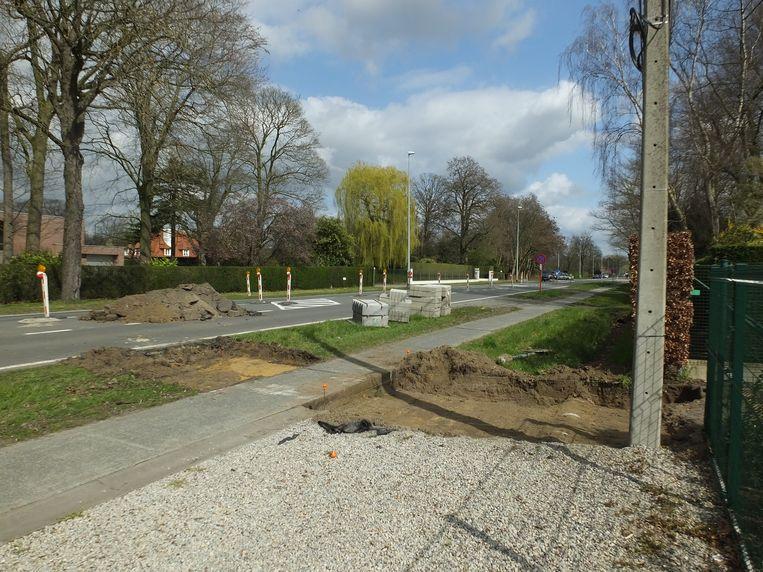 De veilige oversteekplaats voor fietsers komt ter hoogte van de trage weg naar de Casselrylaan.