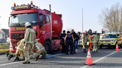 Fietser zwaargewond na aanrijding door vrachtwagen in Lebbeke