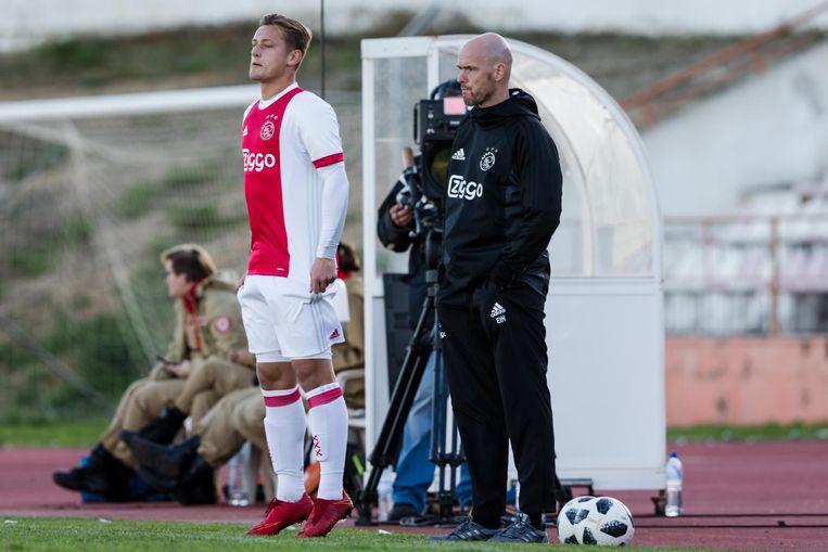 Kaj Sierhuis begin dit jaar, met naast hem trainer Erik ten Hag Beeld anp