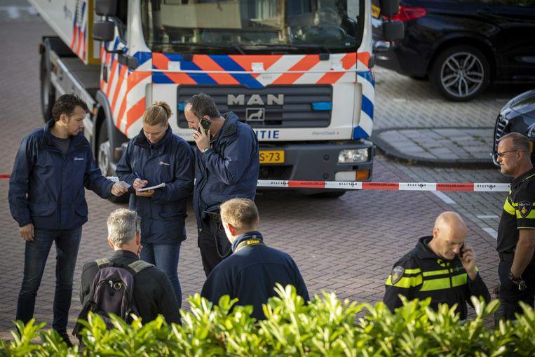 Politie aan de Imstenrade in Amsterdam Buitenveldert.  Beeld ANP