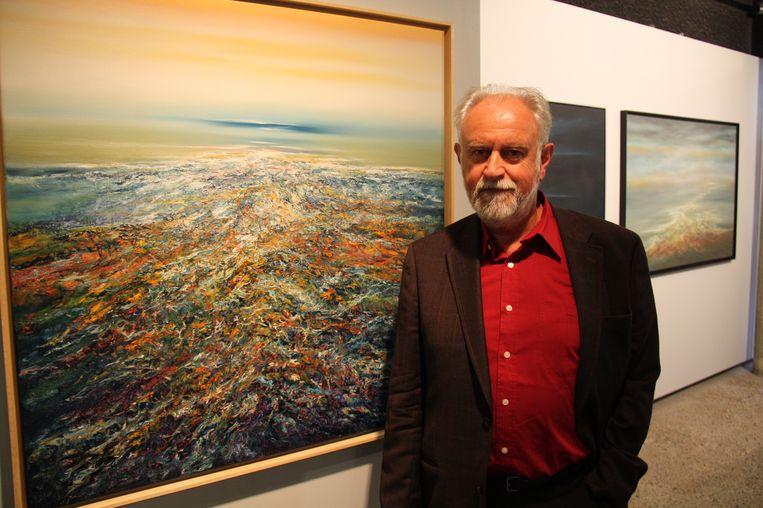 Jacky Duyck bij een van zijn werken.