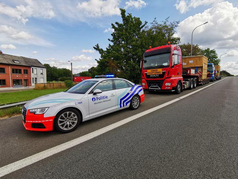 De lokale politie zette de voertuigen aan de kant. Toen bleek dat ze niet in orde waren, werden ze uit het verkeer gehaald totdat hun boete werd betaald