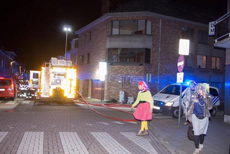 Door de keukenbrand is het appartement op het eerste verdiep tijdelijk onbewoonbaar.