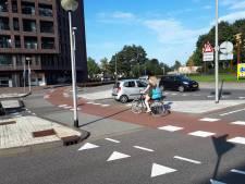 Etten-Leur brengt gevaarlijke verkeerspunten in beeld: 'Rotonde Valpoort is er een van'