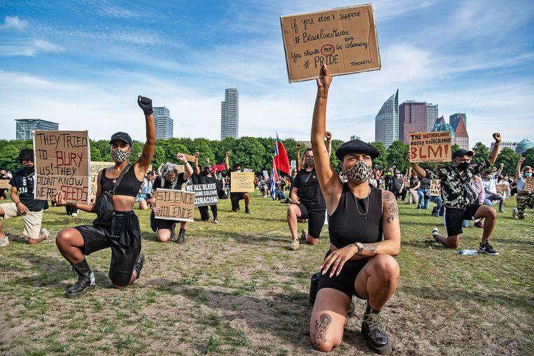 Betogers op het Malieveld in Den Haag. Beeld Guus Dubbelman / de Volkskrant