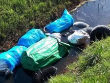 Zakken vol drugsafval in sloot bij Vriezenveen gevonden
