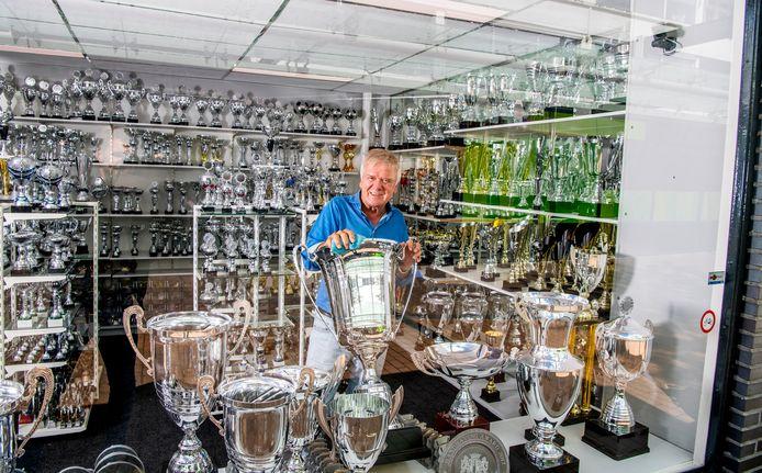 Voor het 'zilverwerk' van Arie de Groot van de Capelse winkel Spoca was er geen belangstelling. De omzet daalde tot nul.