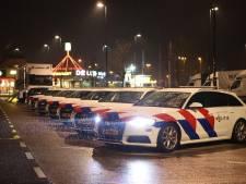 Politie houdt grote controle op A2 bij Zaltbommel bij ingang van avondklok