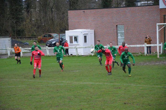 Een wedstrijd op de voetbalterreinen in Haaltert begin vorig jaar.