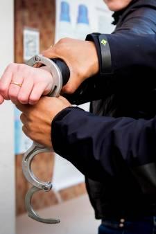 Dordtenaar (25) opgepakt voor overval op woning van 70-jarige vrouw