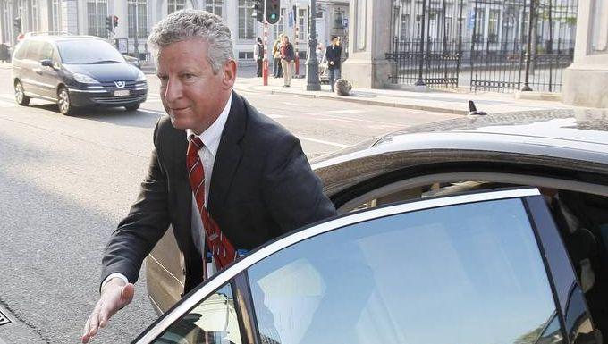 Minister van Defensie Pieter De Crem (CD&V) wijt de stijging aan het hoger aantal controles bij sollicitanten.