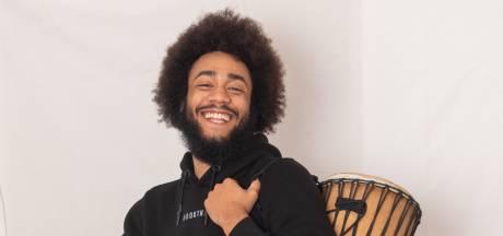 Roger (23) pakt door met online platform BookThat: 'Wij helpen talentvolle artiesten om gezien te worden'