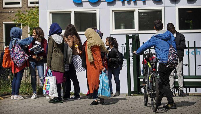 Leerlingen van een Rotterdamse middelbare school.