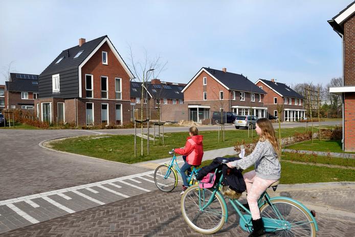 Grinthuizen, de nieuwbouwwijk van het dorp Rheden, is een van de laatste nieuwe wijken die in de afgelopen jaren in de gemeente Rheden zijn gebouwd.