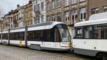 Lichtgewonde bij aanrijding tussen twee trams in Deurne