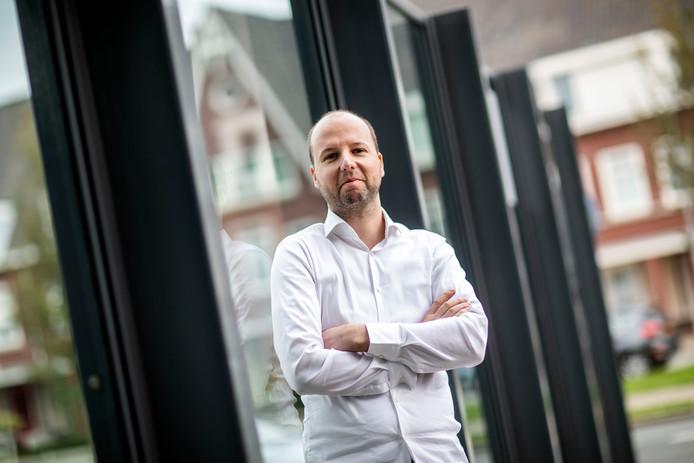 Marco Prins is chefkok en heeft een Michelinster gekregen.