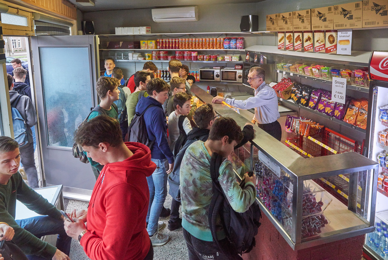 John en José tijdens het spitsuur in 't Snoepwinkeltje.