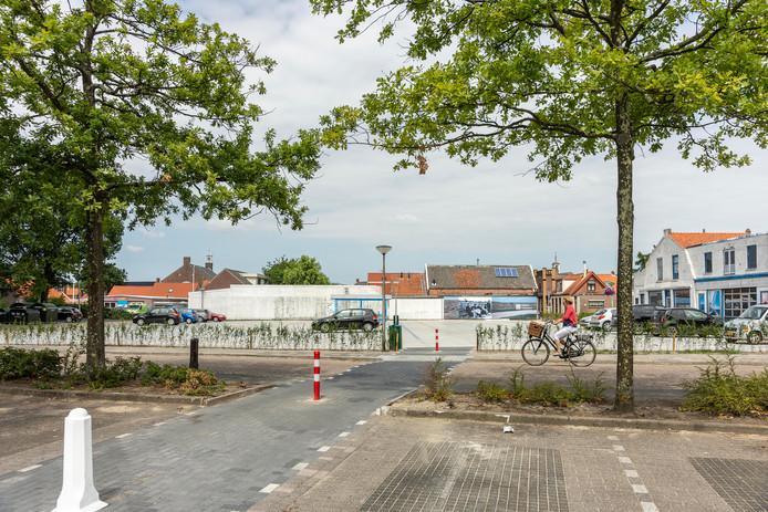 Het looppad richting het nieuwe stuk parkeerterrein