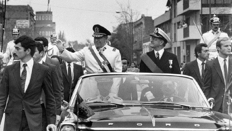 Generaal Pinochet, leider van de Chileense junta, kort na zijn staatsgreep, 11 september 1973 Beeld afp