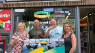 Nationale loterij viert 444.444ste lid van de Lottery Club in krantenwinkel 't Roddelkot
