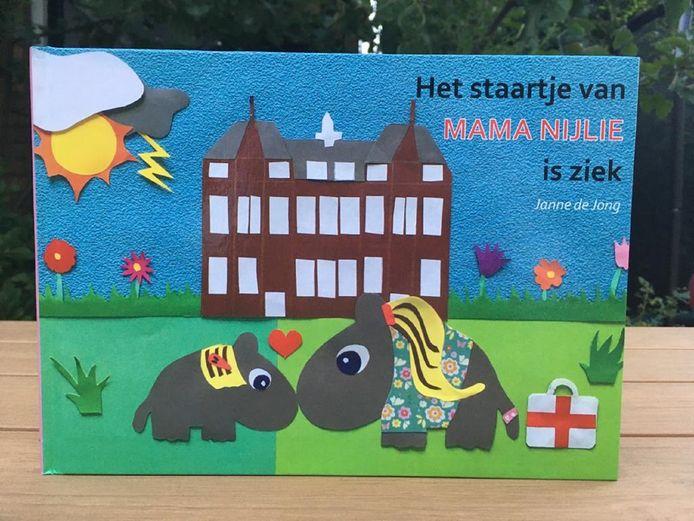 Het boek 'Het staartje van Mama Nijlie is ziek'.