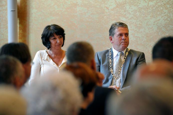 Burgemeester Anton van Aert bij zijn installatie in Best.