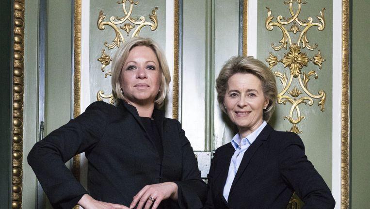 De Nederlandse minister van Defensie Jeanine Hennis-Plasschaert en haar Duitse collega Ursula von der Leyen. Beeld Daniel Rosenthal / de Volkskrant