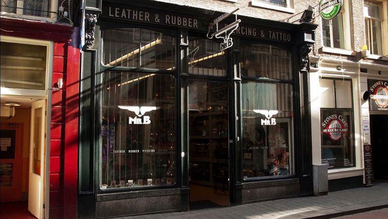 De gespecialiseerde leer- en rubberwinkel zat bijna vijfentwintig jaar op de Warmoesstraat. Beeld Mister B