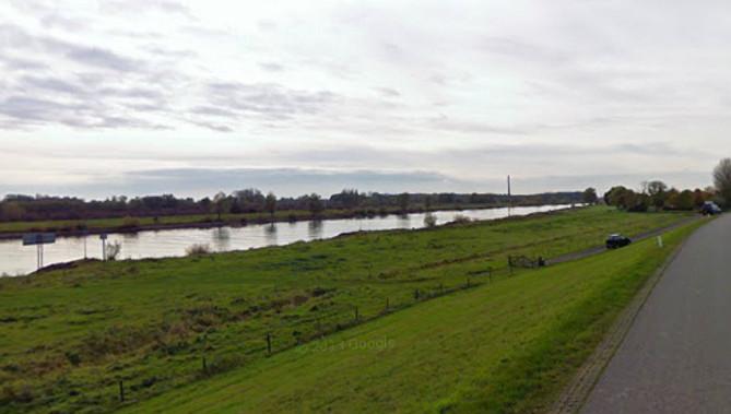 De IJssel tussen Veessen en Wapenveld.