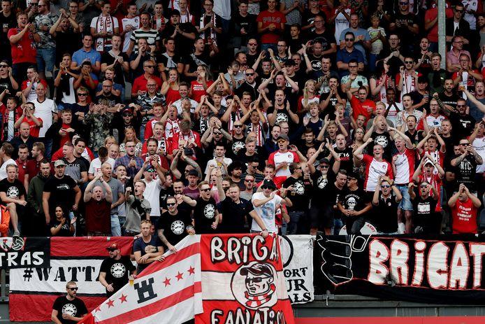 Supporters van FC Emmen
