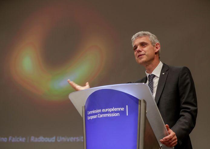 Heino Falcke presenteerde woensdag in Brussel de eerste foto van een zwart gat.