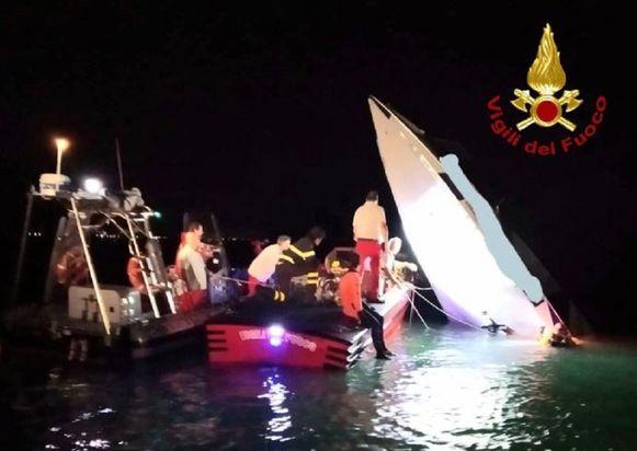 Omstreeks 21.00 uur knalde de raceboot, vlak voor de finish, met een snelheid van zo'n 140 kilometer per uur tegen een golfbreker in de buurt van de haven van Venetië.