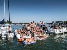 Zo gezellig is het op het 'illegale' fuikfeest op het water van Maasbommel