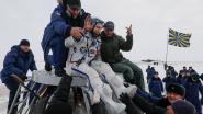 Beschadigde Sojoez-capsule met drie astronauten ISS veilig op aarde geland