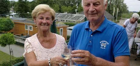 Stel staat al 50 jaar op camping Willemstad: 'Vaker hier dan thuis'
