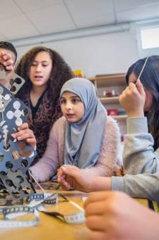 Schilderswijk University biedt extra uitdaging voor slimme kinderen met leerhonger