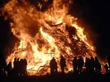 Houtstop voor paasvuren in Hof van Twente: 'Vuren worden te groot'
