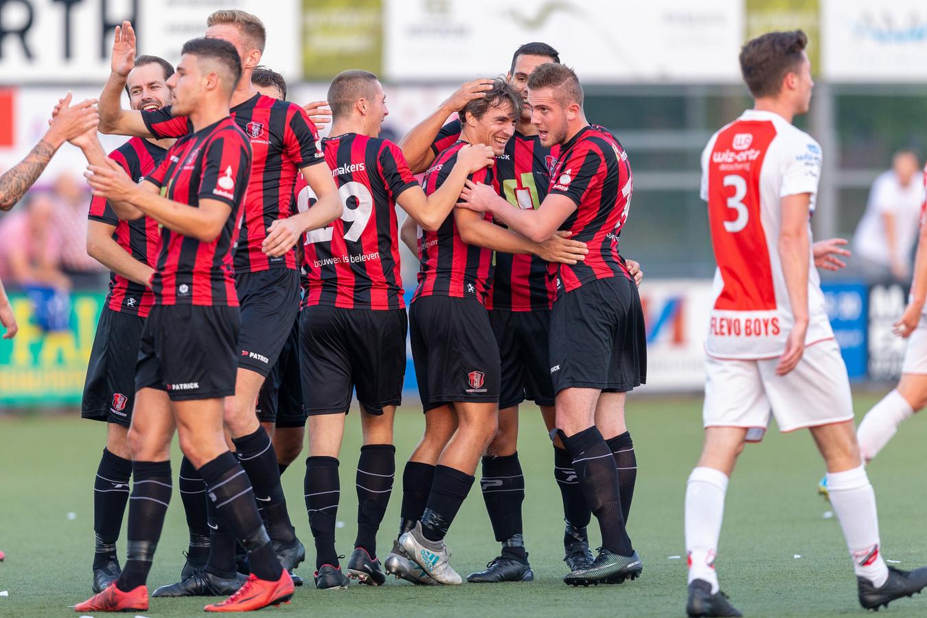 OJC Rosmalen - Flevo Boys in de kwalificatieronde.