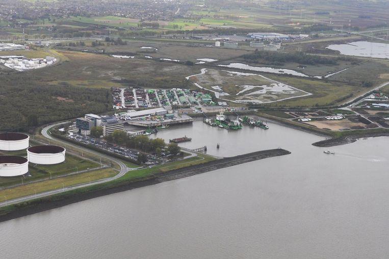 De site van DEME aan de Scheldedijk in Zwijndrecht.