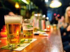 Apeldoorns café in protest na 'fikse boete' voor verkeerde man achter de bar