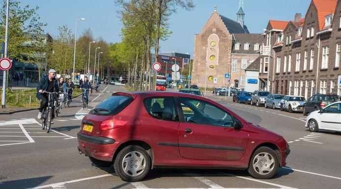 De kruising van de Oude Vest en de Keizerstraat in Breda.