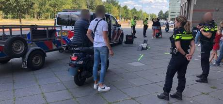 Bromfietscontrole in Breda en Etten-Leur: Helft van bestuurders in overtreding