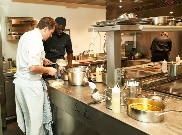 Chef Christophe Hardiquest aan het werk in Bon Bon. pict: ©vincent duterne/photonews