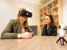 Bril die je van je angst af helpt: Eindhovense proef met virtual reality lijkt te werken