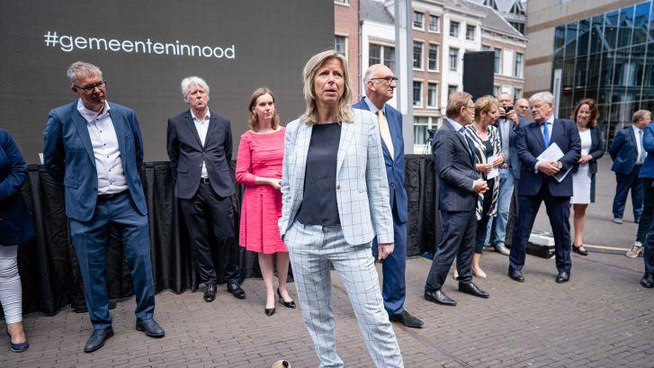 Verzuipend Zoetermeer moet kiezen: Ozb honderden euro's omhoog of streep door nieuw zwembad?