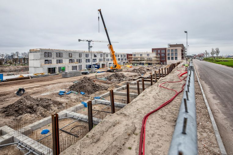 Een nieuwe wijk in aanbouw in Leidsche Rijn. Huizenprijzen gaan komende jaren waarschijnlijk dalen als gevolg van de coronacrisis. Beeld Raymond Rutting / de Volkskrant