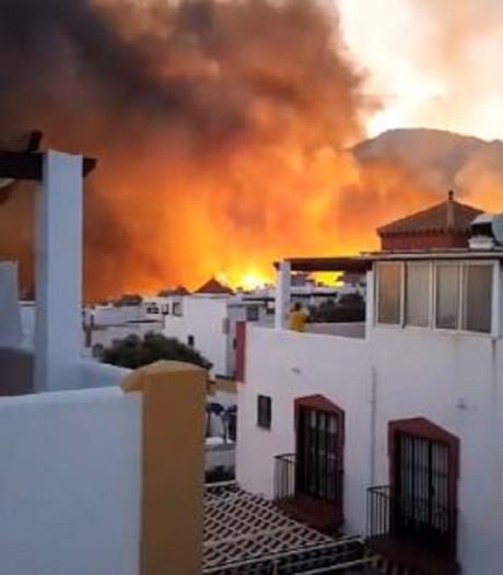Enorme natuurbrand bij Marbella: bewoners van 40 woningen geëvacueerd