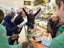Samir wint minuut gratis winkelen in heropende Lidl