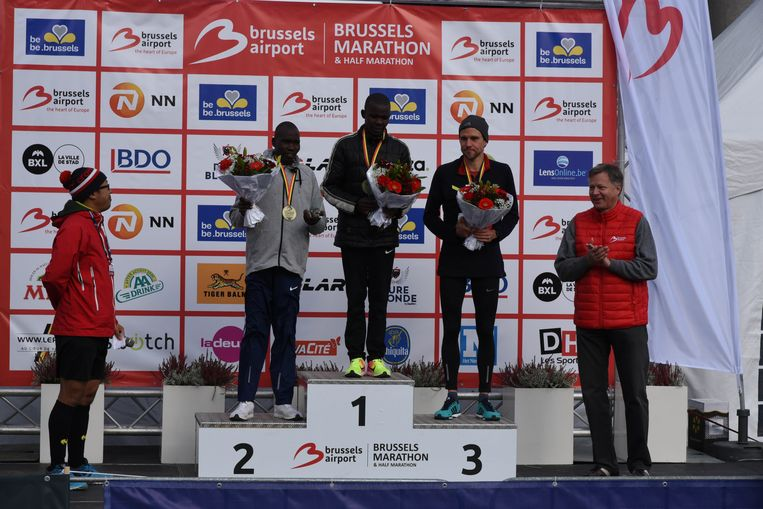 Marathon Brussel winnaars mannen  Patrick Korir (2) Laban Cheruiyot (1) en Pieter Gijsels (1)