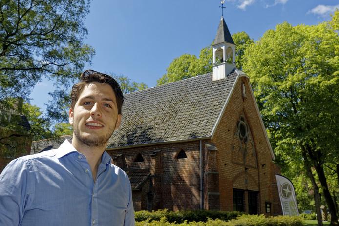 Jochem de Jong is eigenaar van Klooster Nieuwkerk en studeert in Eindhoven. Dankzij de Fontysregeling kan hij de beide dingen combineren.